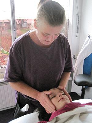 Uddannet healingsmassør og samtaleterapeut på Kilden i Valby: En ( ca. 2 årige, 1000 timer) RAB godkendt uddannelse.
